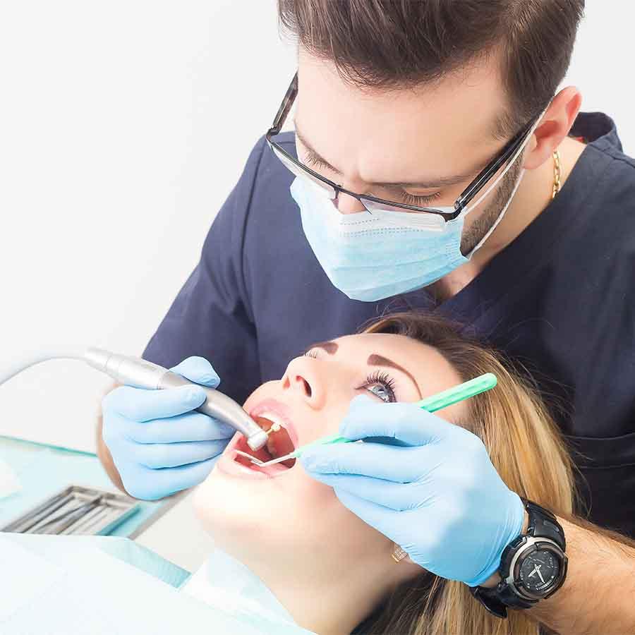 Conservativa dentale - Ferrara Medica - poliambulatorio specialistico privato a Ferrara (FE)