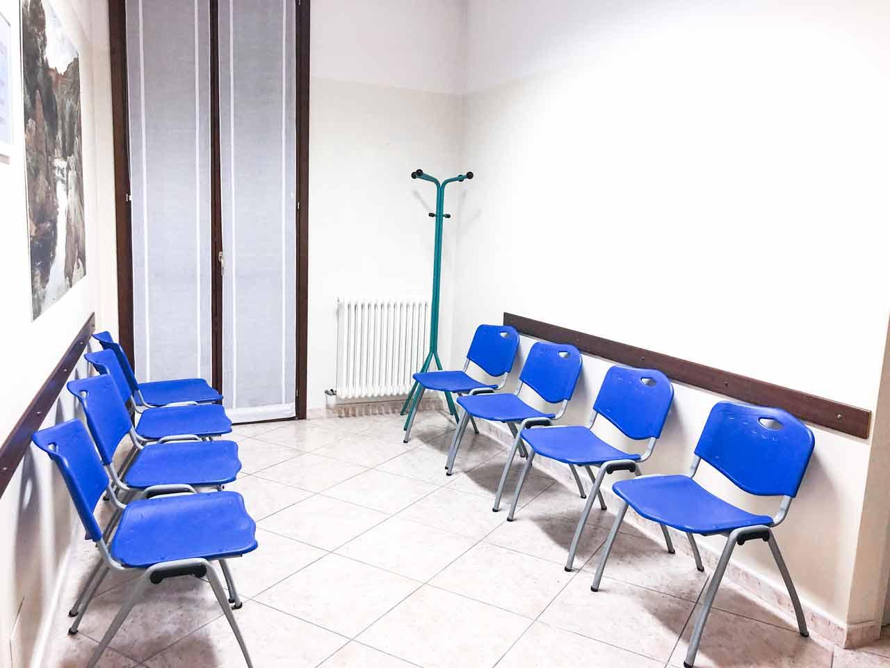 primo-piano-ferrara-sala-attesa-Ferrara Medica - poliambulatorio specialistico privato a Ferrara (FE)